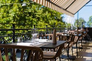 Restaurant ou autre lieu de restauration dans l'établissement Hôtel Longemalle