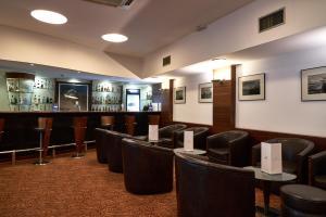 The lounge or bar area at Leziria Parque Hotel