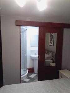 A bathroom at 129 Knigs plaza