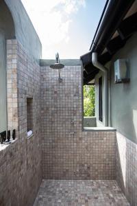 A bathroom at Sunrise on Four Mile - Port Douglas