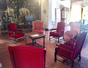 A seating area at Villa Theresa