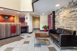 The lobby or reception area at Quality Inn Falconer - Jamestown