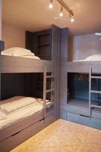 A bunk bed or bunk beds in a room at Hotel Monterosa