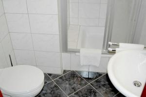 A bathroom at Hotel Rubin