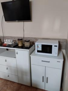 A kitchen or kitchenette at Cómodo Apartamento en Cafayate