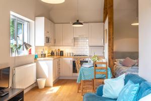 A kitchen or kitchenette at Nutley Farm