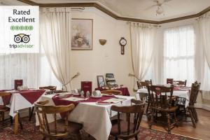 A restaurant or other place to eat at Seahorse Guest House