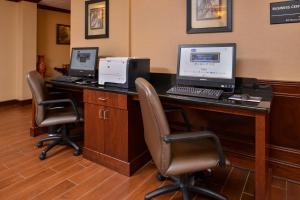 The business area and/or conference room at Hampton Inn South Hill