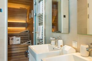 A bathroom at Park Hill Residences