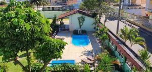 A view of the pool at Duas Praias Hotel Pousada or nearby