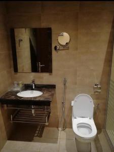 A bathroom at Lavender Hotel
