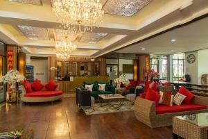 ล็อบบี้หรือแผนกต้อนรับของ กัซซัน ขุนตาน กอล์ฟ แอนด์ รีสอร์ท Gassan Khuntan Golf & Resort