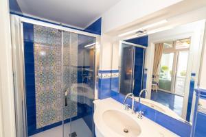 Un baño de Casa Maresca Residence