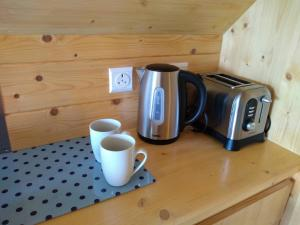 Coffee and tea making facilities at Macbeth's Hillock