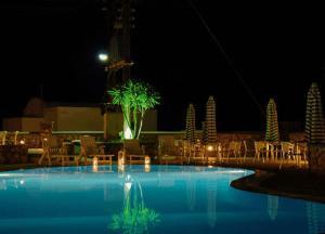 Piscina di Babis Hotel o nelle vicinanze