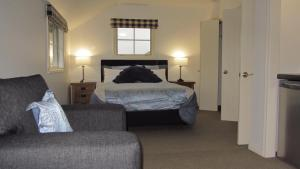 A bed or beds in a room at Mountainview