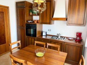 A kitchen or kitchenette at Villa Belvedere Liberty