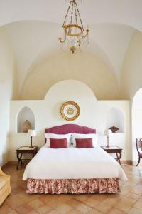 Кровать или кровати в номере Caruso, A Belmond Hotel, Amalfi Coast