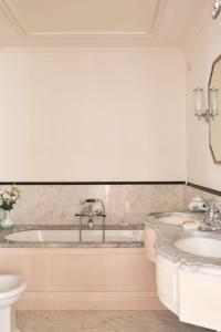 A bathroom at Splendido, A Belmond Hotel, Portofino