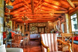 A restaurant or other place to eat at Elaion Guesthouse