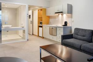 A kitchen or kitchenette at Deep Blue Hotel & Hot Springs