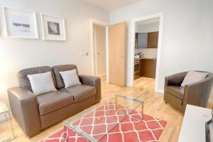 A seating area at Roomspace Serviced Apartments - Watling Street