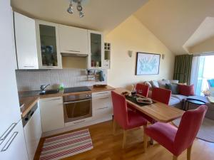 A kitchen or kitchenette at Werz Sea View Apartment