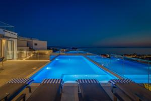 The swimming pool at or close to Villa Luna Podstrana