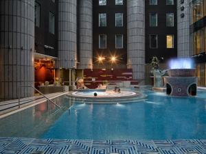 Majoituspaikassa Tallink Express Hotel tai sen lähellä sijaitseva uima-allas