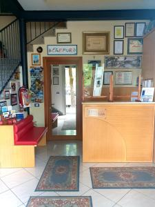 The lobby or reception area at Albergo Acampora