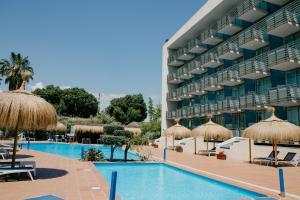 Piscina en o cerca de Sol Port Cambrils Hotel