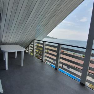 A balcony or terrace at Karavella