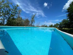 Der Swimmingpool an oder in der Nähe von Jugendtours-Feriendorf Ummanz