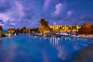 The swimming pool at or near Secrets Maroma Beach Riviera Cancun - Adults only