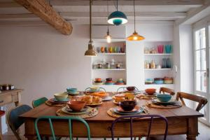 A restaurant or other place to eat at Casa Fabbrini Boutique B&B