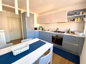 A kitchen or kitchenette at Ca' degli Oresi