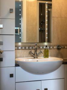 A bathroom at Parkfield House
