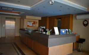 Ο χώρος του λόμπι ή της ρεσεψιόν στο Ξενοδοχείο Φιλοξενία