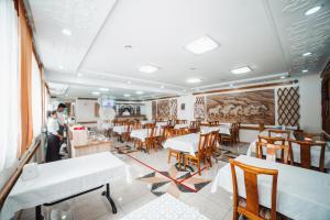 Ресторан / где поесть в Санрайз Гостевой Дом