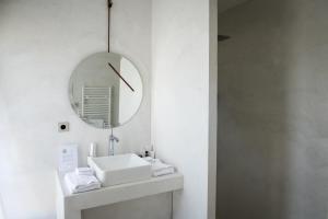 A bathroom at Château Malescasse
