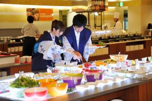 A restaurant or other place to eat at Toya Sun Palace Resort & Spa