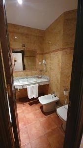 A bathroom at Coso Viejo
