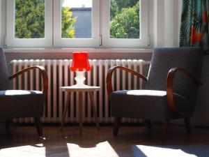 Posedenie v ubytovaní Učiteľov - The teachers house