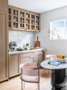 A kitchen or kitchenette at Oceana Santa Monica, LXR Hotels & Resorts