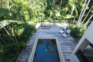 A view of the pool at 26 Seaview Terrace or nearby