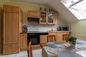 A kitchen or kitchenette at Pension Nataliya