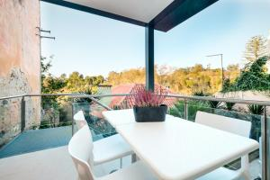 A balcony or terrace at Sintra Bliss Hotel