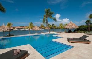 A piscina localizada em Sea view apartment Jan Thiel ou nos arredores