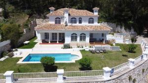 Vista de la piscina de Villa Ana Maria o alrededores