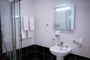 A bathroom at Vorontsov Apartments